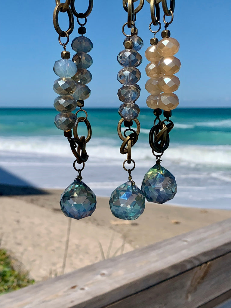A Seaside Crystal Ball Necklace