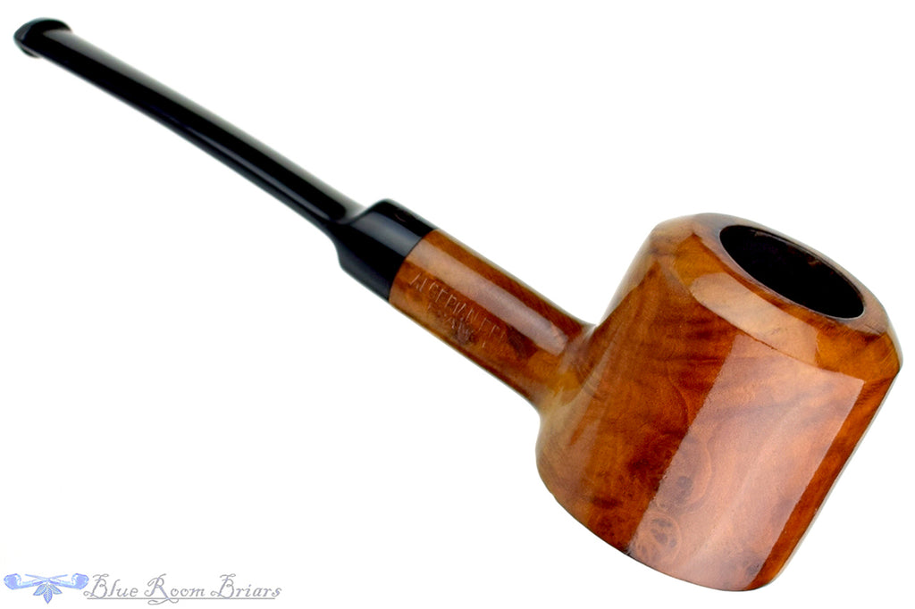 Blue Room Briars is proud to present this French Poker Estate Pipe