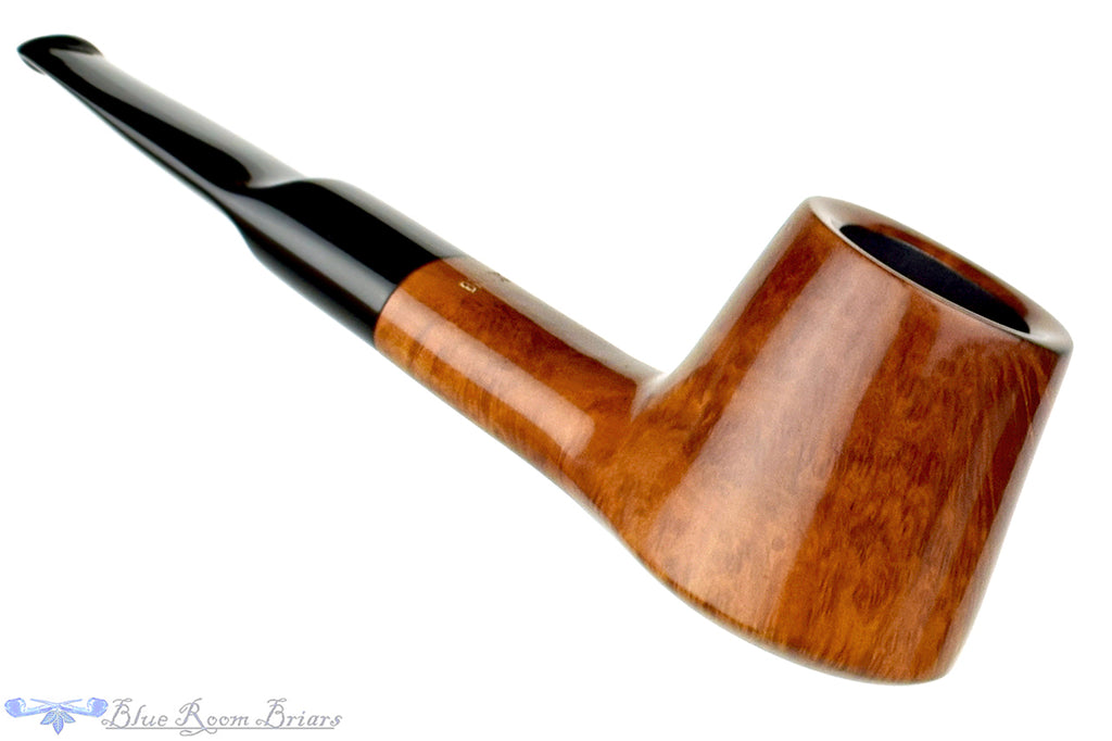 Blue Room Briars is proud to present this Oliver Brandt 127 Straight Volcano Estate Pipe
