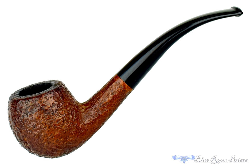 Blue Room Briars is proud to present this International Selection 1/2 Bent Sandblast Apple Estate Pipe