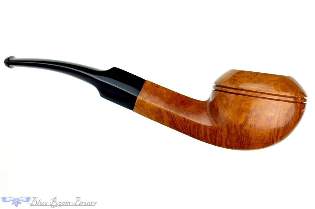 Blue Room Briars is proud to present this Yorkshire Natural 1/4 Bent Bulldog Estate Pipe