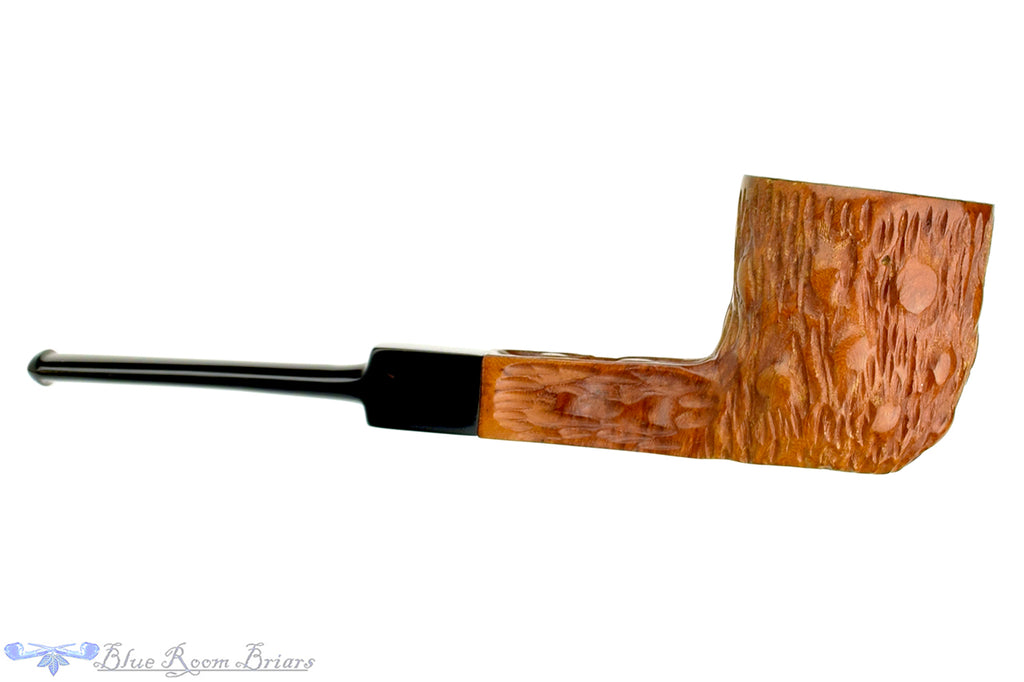 Blue Room Briars is proud to present this Old-Vic Century Old Briar Carved Pot Sitter Estate Pipe