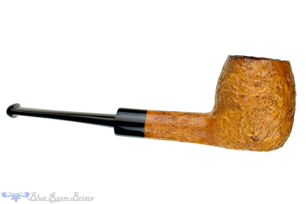 Blue Room Briars is proud to present this Charatan 122 X Tan Blast Apple Sitter Estate Pipe
