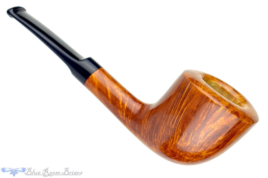 Blue Room Briars is proud to present this RC Sands Pipe Yachtsman