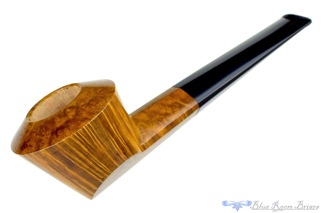 Blue Room Briars is proud to present this Marek Kando Pipe Straight Bulldog
