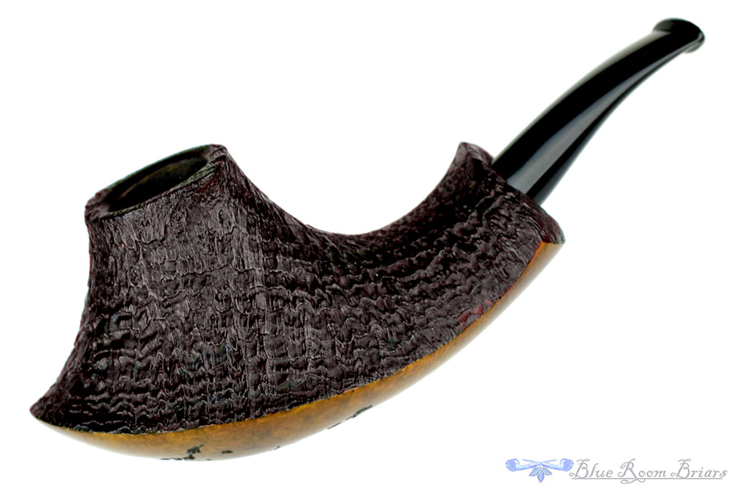 Blue Room Briars is proud to present this Thomas James Pipe Ring Blast Asymmetric Volcano with Plateau