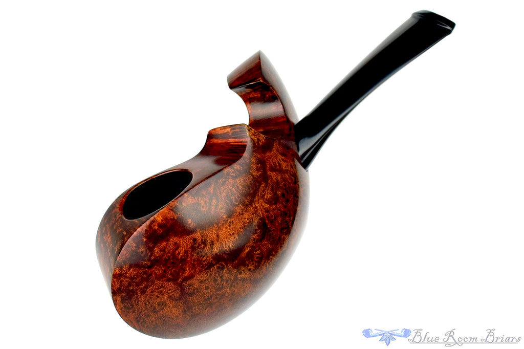 Blue Room Briars is proud to present this Alexander Sokolik Pipe Violin Fish