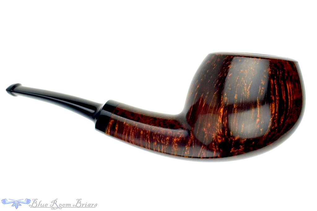 Blue Room Briars is proud to present this Alexander Sokolik Pipe Smooth Danish Apple