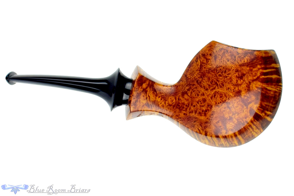 Blue Room Briars is proud to present this Jonas Rosengren Pipe Smooth Blowfish