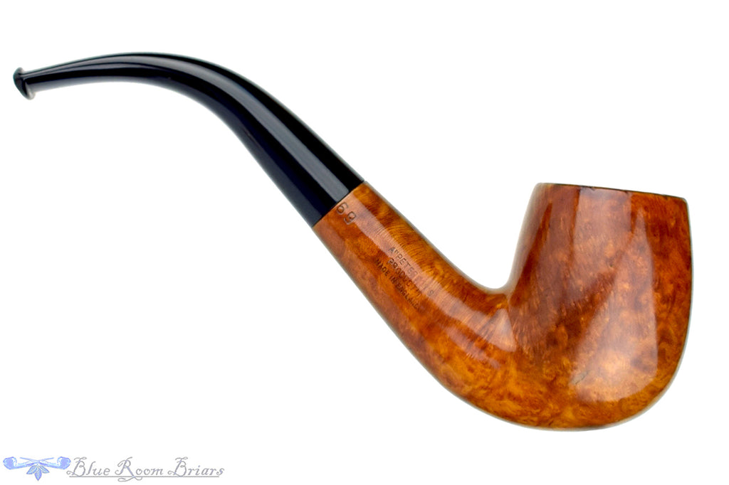 Blue Room Briars is proud to present this Peterson Shamrock 69 1/2 Bent Billiard Estate Pipe