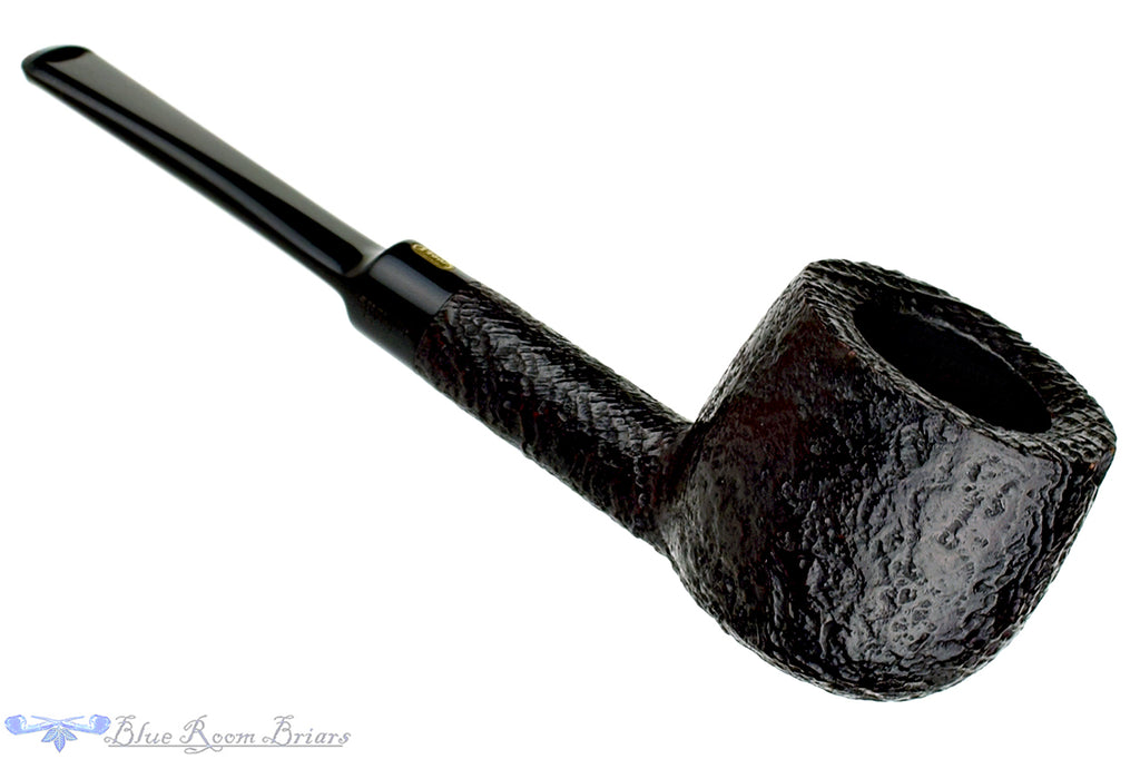 Blue Room Briars is proud to present this Jobey Shellmoor Extra Sandblast Pot Estate Pipe