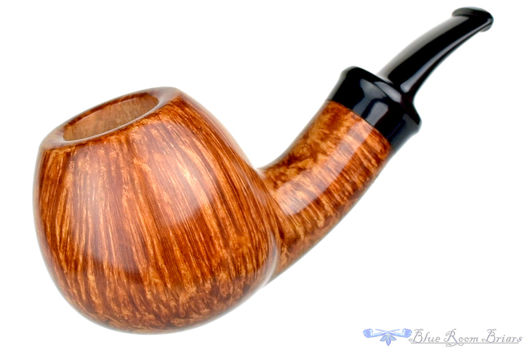 Blue Room Briars is proud to present this Sergey Cherepanov Pipe Bent Apple