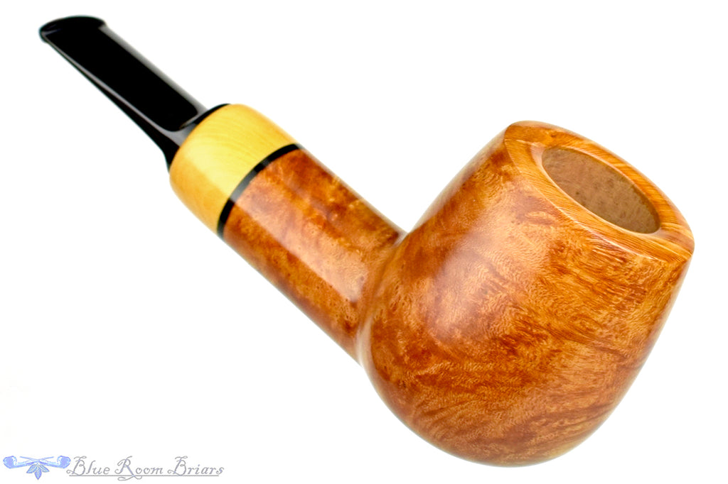 Blue Room Briars is proud to present this Sergey Cherepanov Pipe Billiard Egg with Boxwood