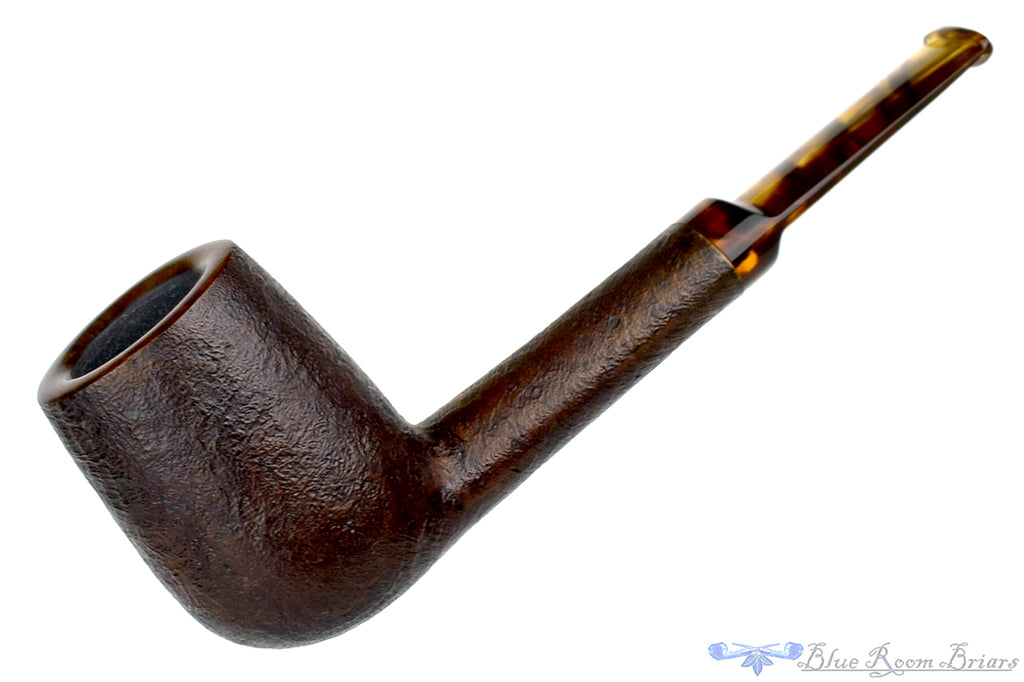 Blue Room Briars is proud to present this Charl Goussard Pipe Sandblast Lovat with Acrylic
