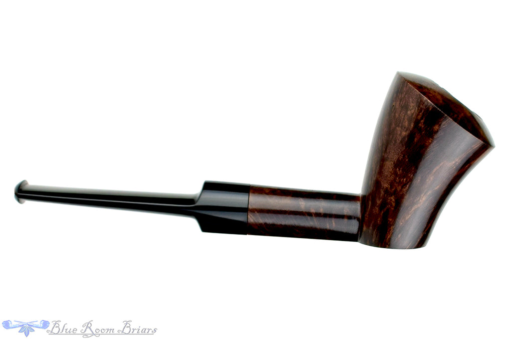 Blue Room Briars is proud to present this Marinko Neralić Pipe Modern Saddled Dublin Sitter with Plateau