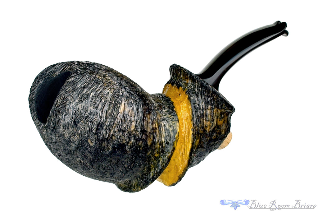 Blue Room Briars is proud to present this Roger Wallenstein Pipe Pettigo