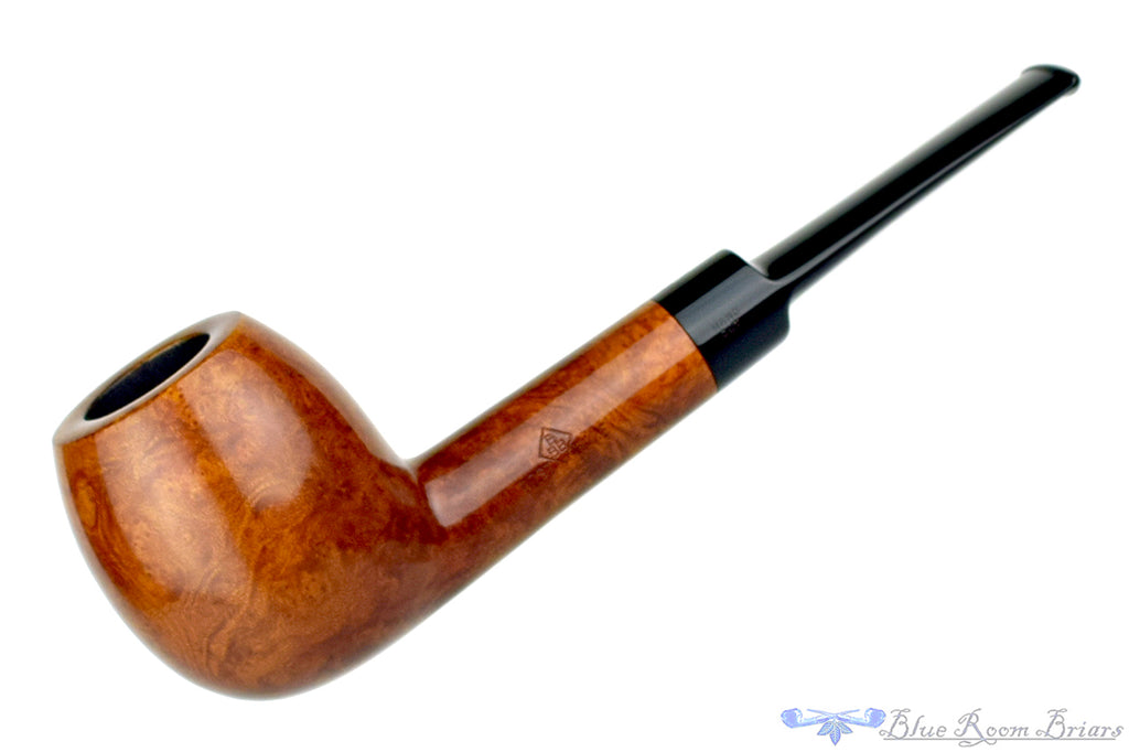 Blue Room Briars is Proud to Present this BBB Best Make 54 Apple Estate Pipe