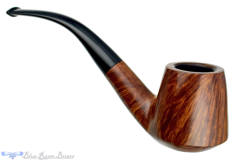 Blue Room Briars is proud to present this Fumo Super 138 1/2 Bent Volcano Sitter Estate Pipe