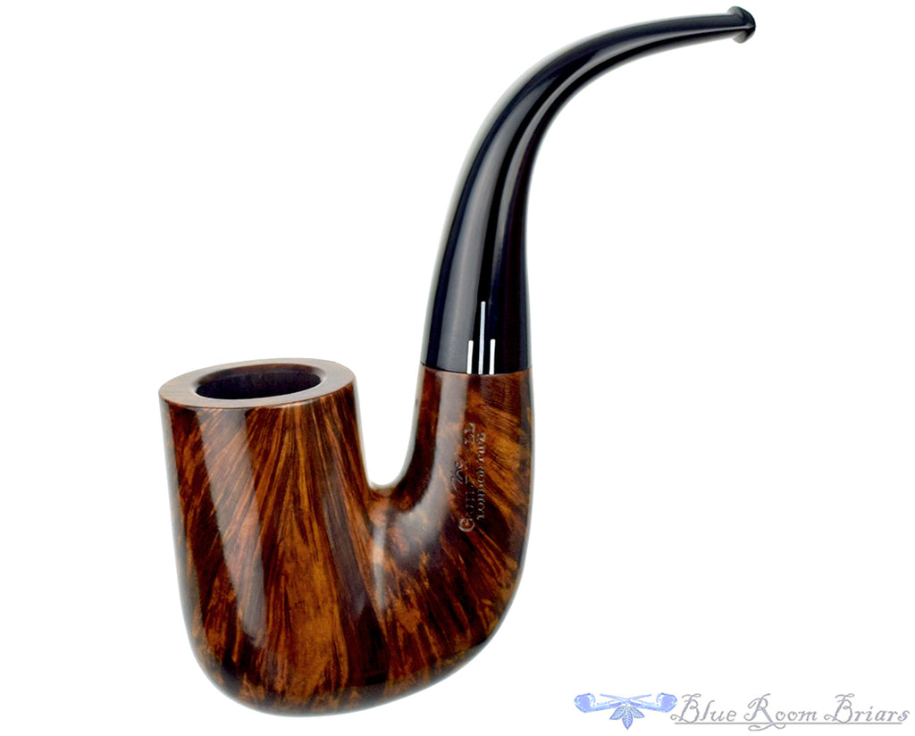 Blue Room Briars is proud to present this Comoy's The Guildhall 235 Hungarian Estate Pipe