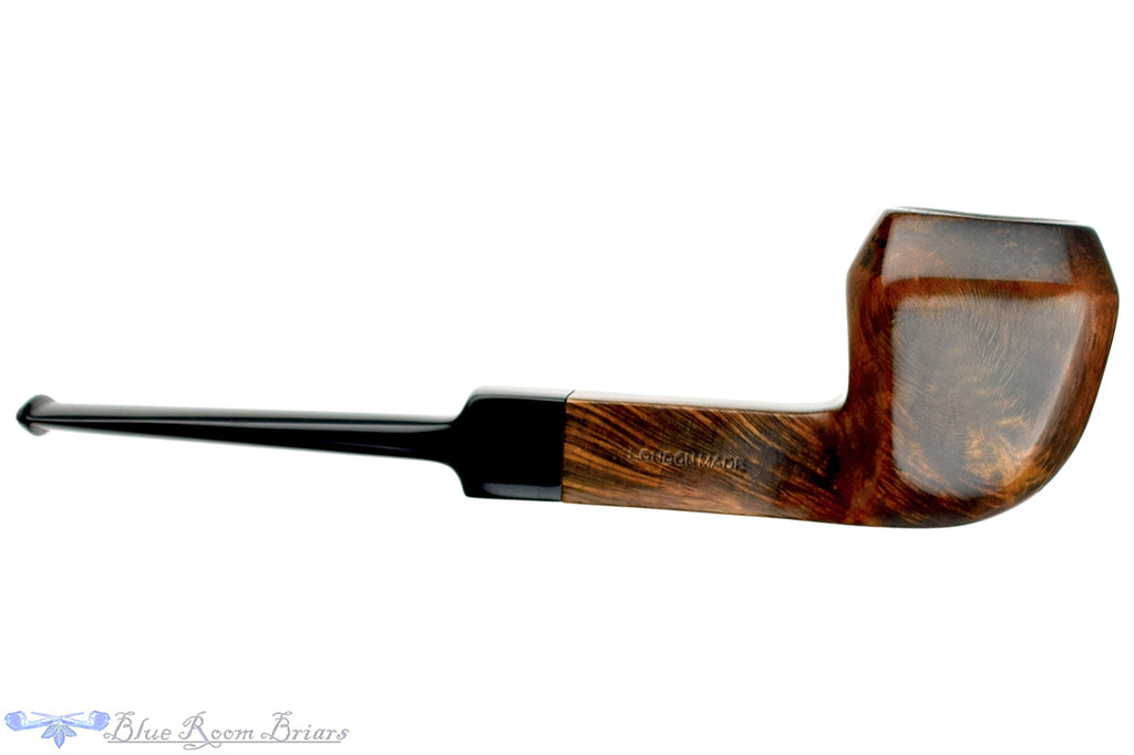 Blue Room Briars is proud to present this G. Smith and Sons 156 Foursquare Rhodesian Estate Pipe