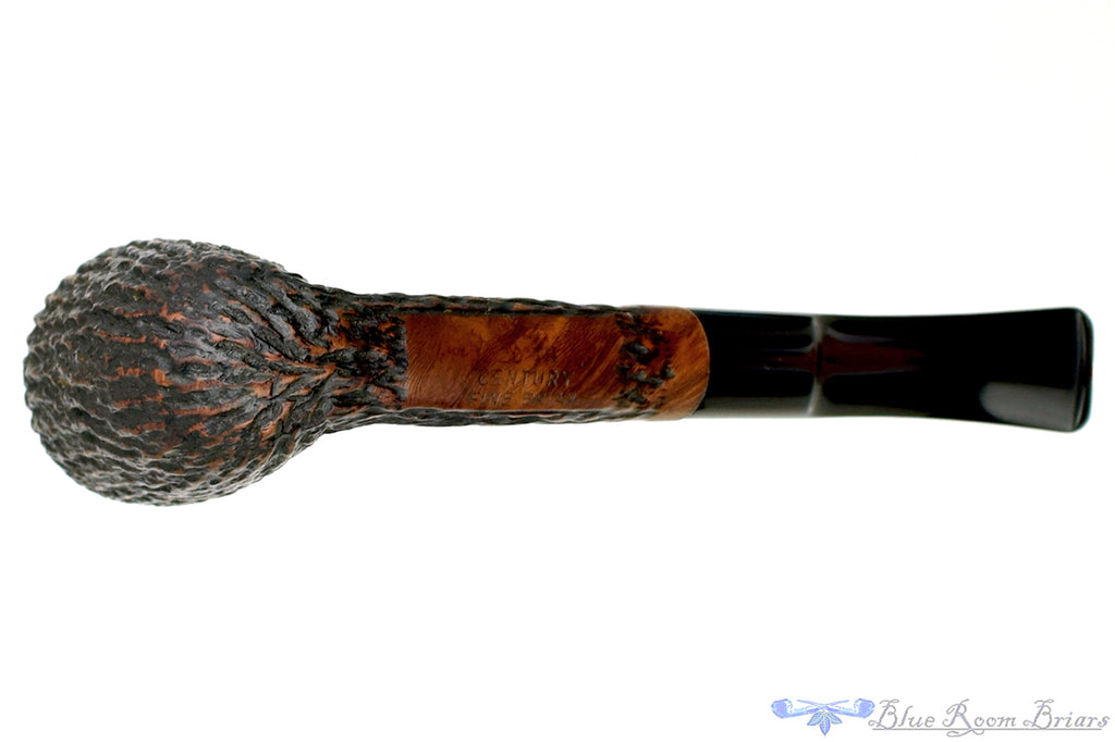Blue Room Briars is proud to present this 20th Century 1/4 Bent Carved Dublin Estate Pipe