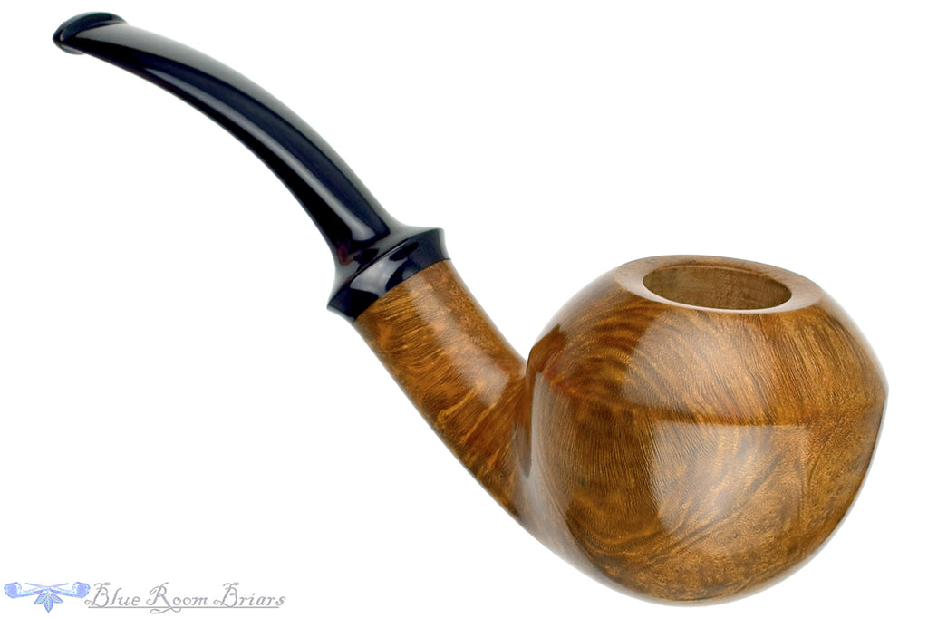 Blue Room Briars is proud to present this Doug Finlay Pipe Bent Smooth Bullcorn