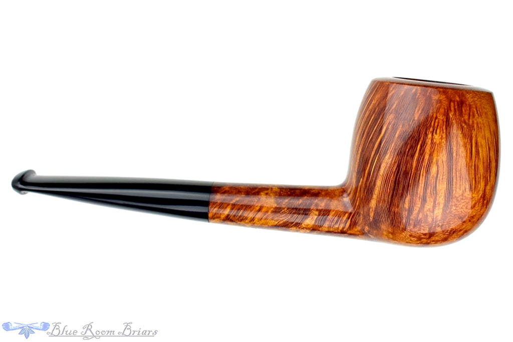 Blue Room Briars is proud to present this Erik Nielsen Pipe Ungraded Smooth Apple