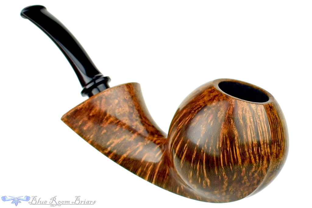 Blue Room Briars is proud to present this David S. Huber Pipe Ivarsson Blowfish