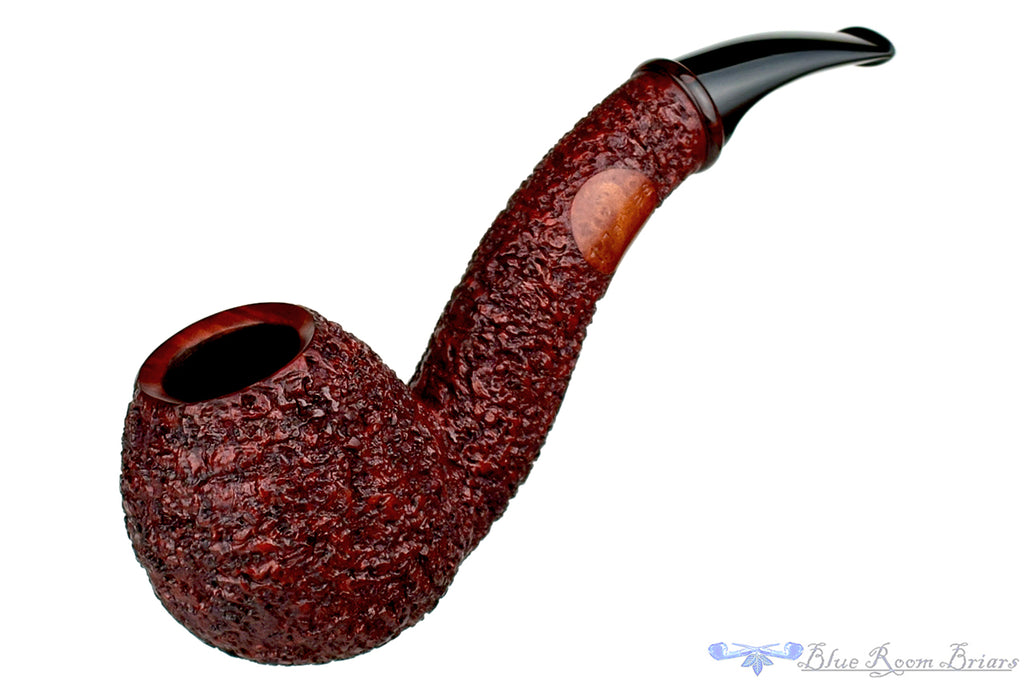 Blue Room Briars is proud to present this Thomas James Pipe Carved Hawkbill with Cumberland Ring