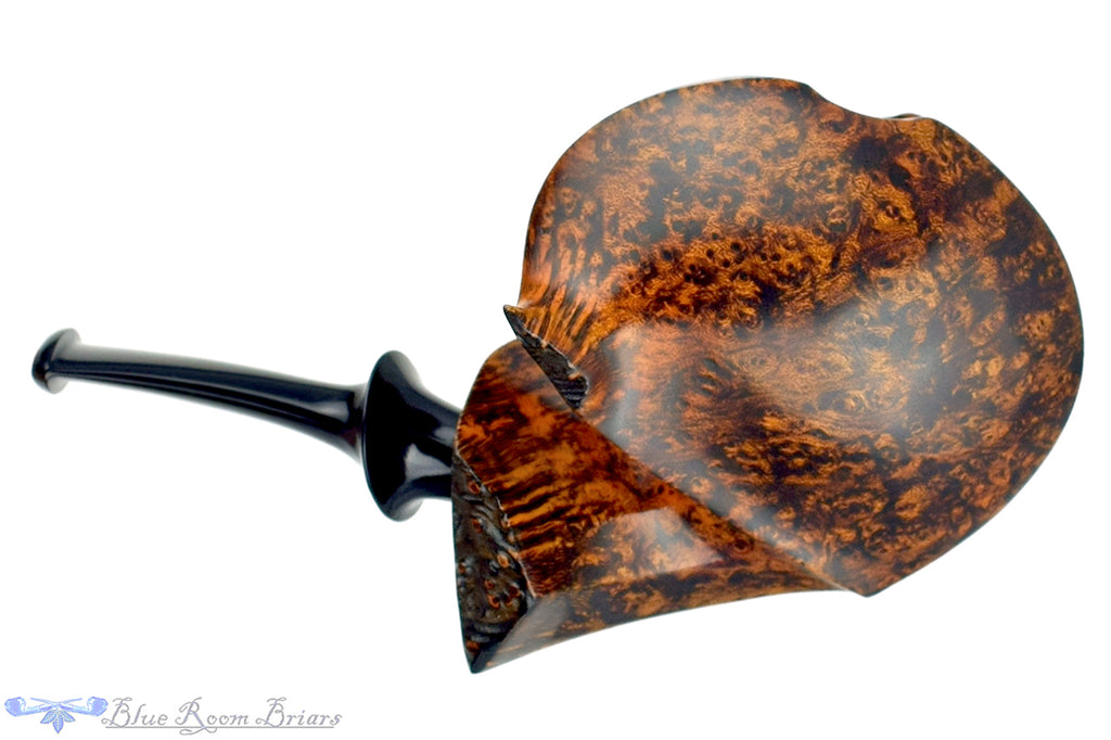 Blue Room Briars is proud to present this David Huber Pipe Smooth Blowfish with Plateau