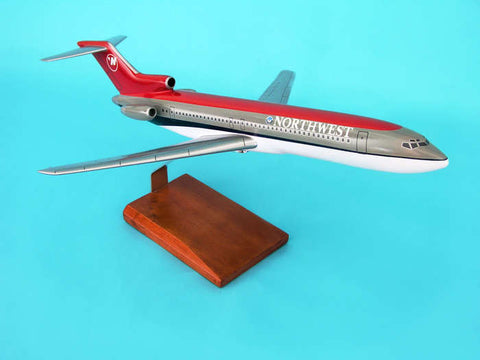"Executive Series Northwest Airlines 1:100 ""1990s Livery"" Boeing 727-200 G3010"