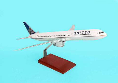 Executive Series United Airlines 1:100 Boeing 767-400 G36010