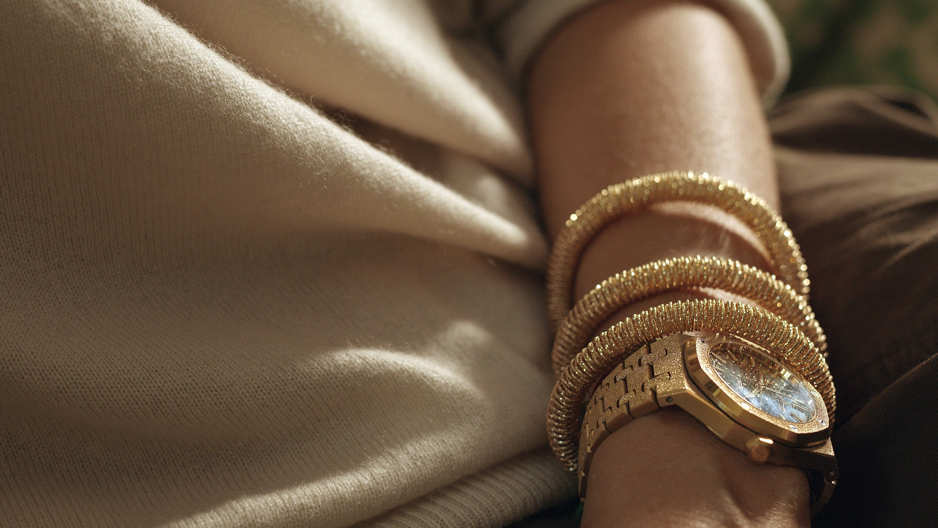 yellow gold small K.I.S.S bracelet