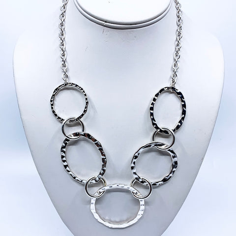 Silver Textured Ring Neckace