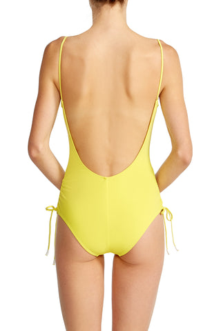 Uma One Piece in Yellow