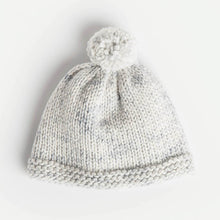 Laden Sie das Bild in den Galerie-Viewer, Blue Sky Fibers Bundle Of Joy Newborn Hat (FREE) - WOOLS OF NATIONS
