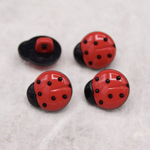 Ladybug Shaped Button 14mm / 18mm - WOOLS OF NATIONS