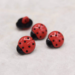 Ladybug Shaped Button 14-18 mm - WOOLS OF NATIONS