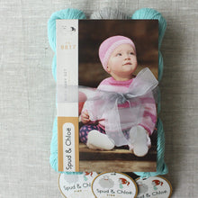 Laden Sie das Bild in den Galerie-Viewer, Spud & Chloë Baby Busy Set Knit Kit - WOOLS OF NATIONS