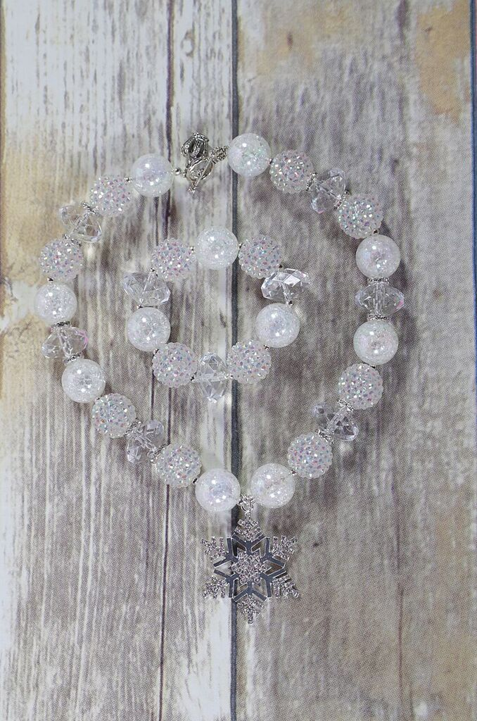 Chunky Bead Necklace / Ice Queen !
