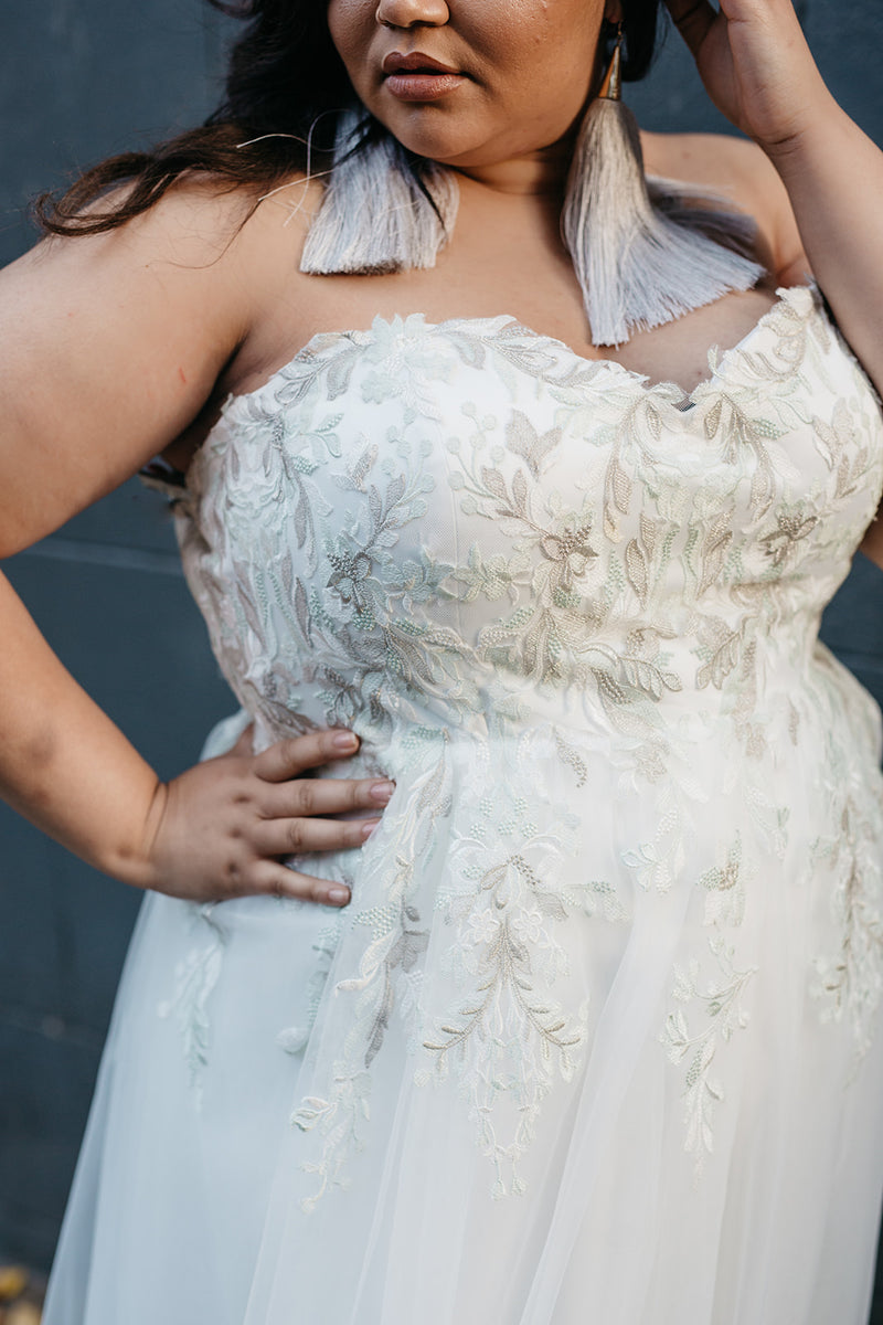 The Tyler plus size wedding dress by Lace & LIberty