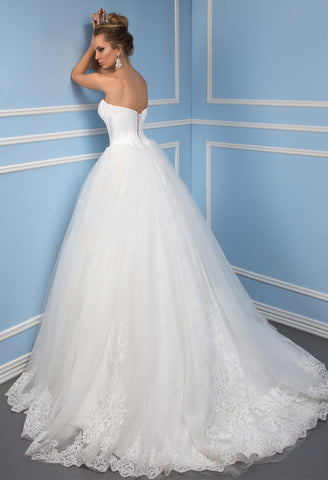 Lace tulle strapless princess ball gown lace A-Line wedding dress ...