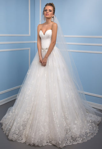 Lace satin strapless princess ball gow lace A-Line wedding dress..