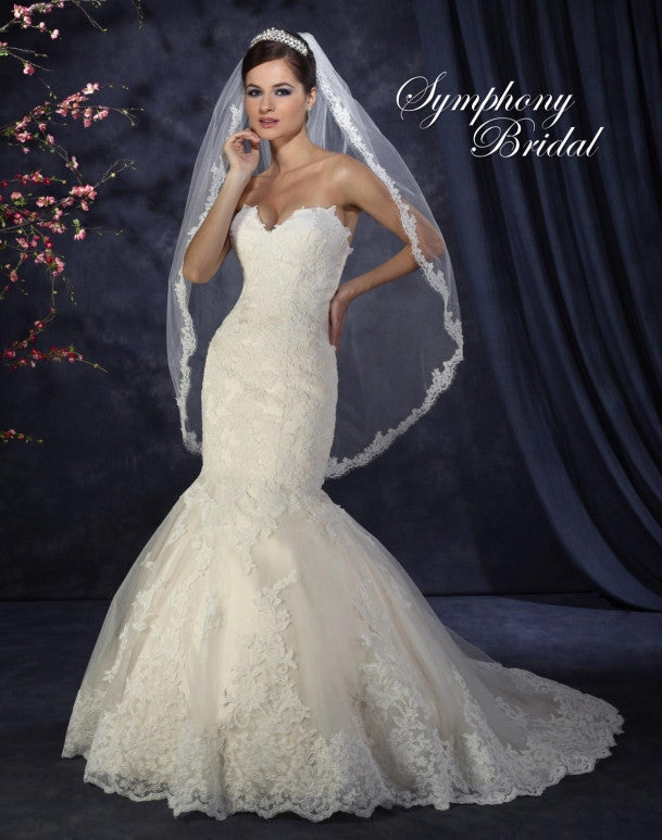 Lace beading mermaid gown wedding dress