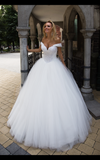 Lace  ivory princess ball gown lace A-Line wedding dress..