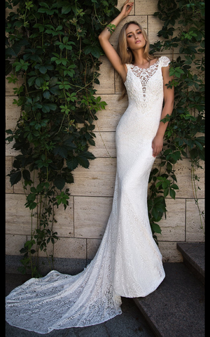 Wedding dress lace mermaid by Designer Ida Torez