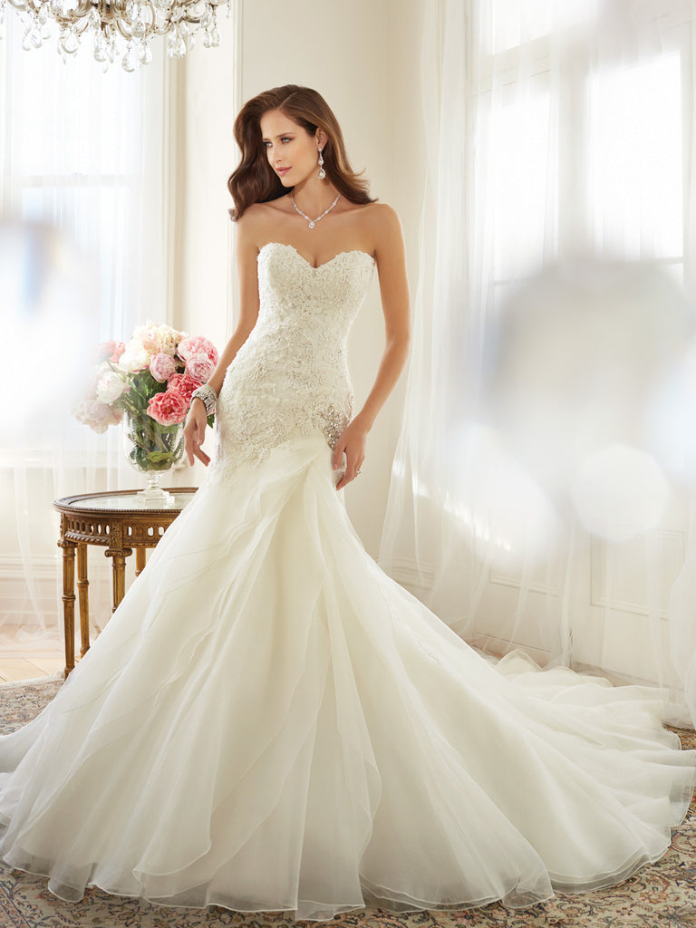 Sophia Tolli slim A-line Wedding Dress organza strapless sweetheart ...