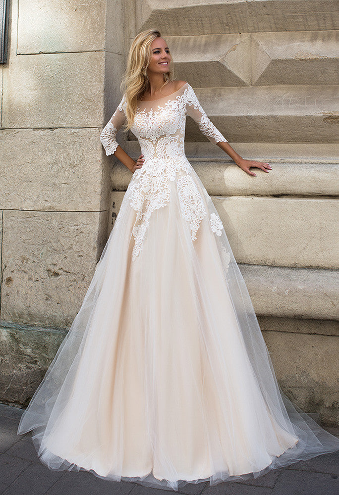 Lace tulle long slevee white ivory princess ball gow lace A-Line wedding dress..