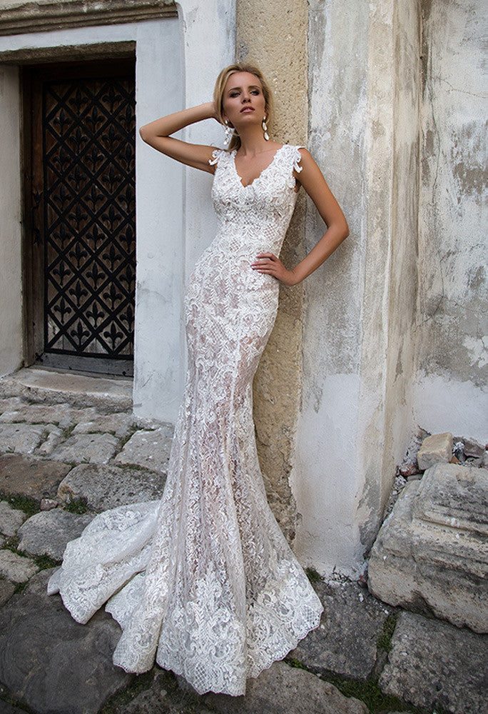 Lace  ivory princess ball gow lace A-Line wedding dress..