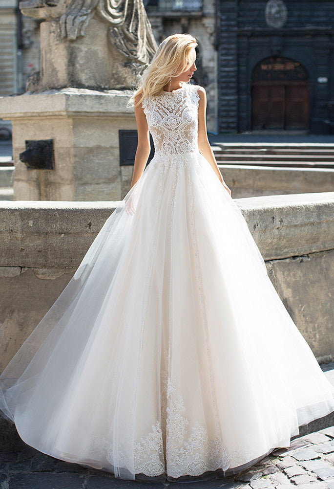 Lace white ivory princess ball gown lace A-Line wedding dress..